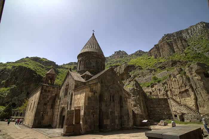 pertur-peregrinaciones-y-turismo-religioso-armenia-2