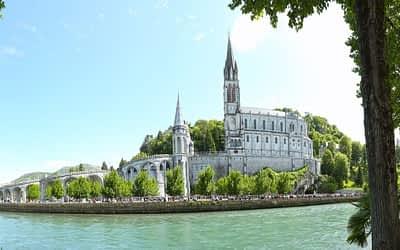Muchos caminos llegan a Lourdes